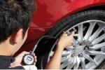I pneumatici per auto hanno la carta d'identità