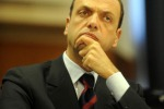 """Alfano: """"Bersani governi con noi, altrimenti elezioni"""""""