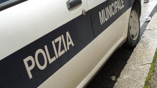 abusivismo a palermo, beni confiscati, Palermo, Cronaca