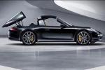 Porsche presenta la nuova 911 Targa Potente e integrale, ma con un look anni '70