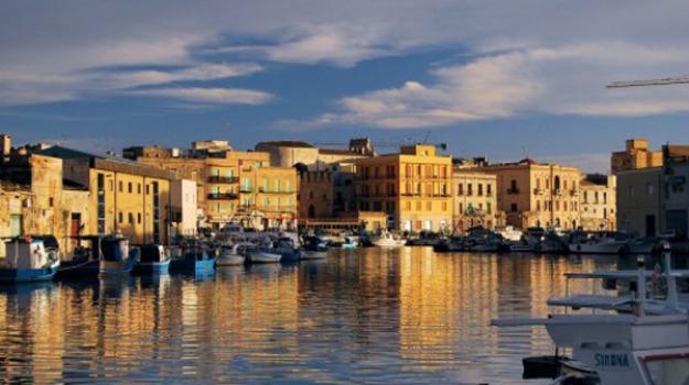corteo, lavori, Mazara del Vallo, porto, Trapani, Cronaca