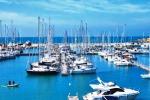 """""""Sbarco di clandestini"""" a Marina di Ragusa...ma è uno yacht con 10 turisti"""