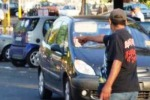 Atti osceni, denunciato a Siracusa parcheggiatore abusivo