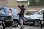 Lotta all'abusivismo a Siracusa, blitz contro ambulanti e parcheggiatori