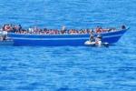 Arriveranno domani ad Augusta le navi della Marina con 488 migranti