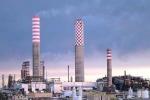 Fumo nero dalla raffineria Eni: aperta inchiesta a Gela