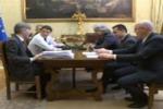 Scontro in diretta streaming tra Renzi e Grillo