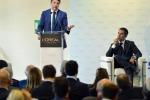 """Renzi: """"I consumi aumenteranno grazie agli 80 euro"""""""