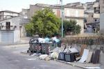 Riesi, rifiuti riciclabili nella palestra: polemiche