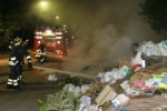 Rifiuti, decine di cassonetti a fuoco a Catania