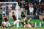 La Juve travolge in Napoli, frena la Roma