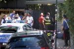 Roma, decapita la domestica a colpi di mannaia: si scaglia contro gli agenti e lo uccidono