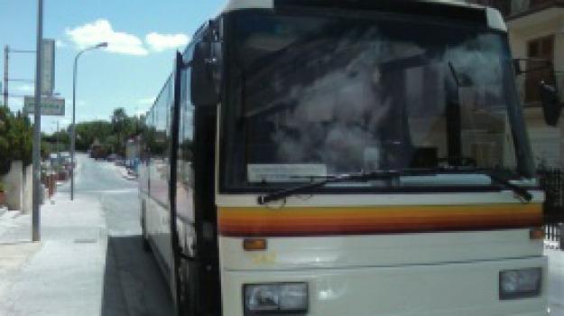 Collegamenti autobus sicilia Puglia, Sicilia, Economia
