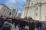 Sardegna, è il giorno del lutto