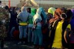 Immigrazione, da giovedì l'esercito lascia Lampedusa