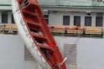 Cade una scialuppa di salvataggio, feriti cinque operai a Messina