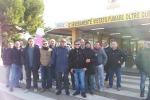 """Gela, licenziamento per 24 dipendenti: scoppia la protesta alla raffineria """"Riva & Mariani"""""""