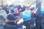"""Niscemi, attivista ferita negli scontri per il Muos: """"La violenza è da condannare"""""""