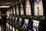 Giro di vite in provincia dei locali con le slot machine