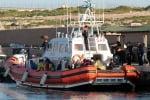Il barcone affonda, 166 migranti soccorsi a sud di Lampedusa