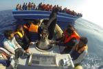 Immigrazione, ad Augusta le navi con 133 bambini a bordo