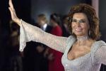 """Sophia Loren ospite d'onore a Cannes con il restauro di """"Matrimonio all'italiana"""""""