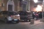 Traffico selvaggio nel centro di Noto Abitanti e turisti: qui è tutto invivibile