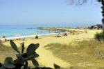 Legambiente, gli studenti ripuliscono la spiaggia di San Leone ad Agrigento