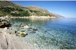 Spiaggia dello Stazzone a Sciacca, due serate a raccogliere bottiglie e lattine