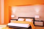 Appartamenti a tinte forti Ecco le tendenze per le pareti