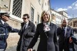 """Ministro Giannini: """"Concorso per 17 mila docenti nel 2015"""""""