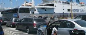 Controesodo, a Messina lunghe code per imbarcarsi sui traghetti