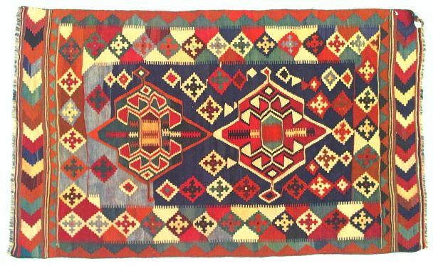Estate non si rinuncia ai tappeti piacciono i kilim - Tappeti colorati ...