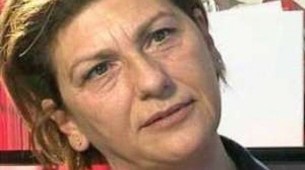 Tina Montinaro, Trapani, Società