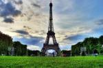 Francia, allarme bomba: evacuata la Torre Eiffel
