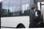 Pietraperzia, bus dei pendolari in ritardo: la Sais anticipa la partenza