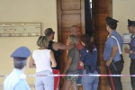 Padre uccide a coltellate la figlia di 18 mesi, secretato l'interrogatorio della moglie