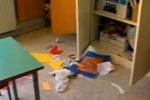 Niscemi, scuole nel mirino dei vandali: volontari in campo per evitare altri raid
