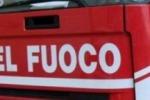 Incendio a San Cataldo, in fiamme una fabbrica