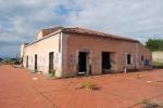Villa Fazio, degrado e annunci a Librino