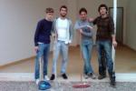 I giovani di Fli ripuliscono la villetta di Bonagia