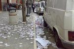 Enna, quartieri invasi dai volantini E la pulizia risulta vanificata