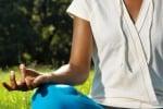 A ciascuna età il proprio Yoga Anziani e bimbi imparano a respirare